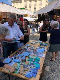 Sindaco e Amministratori di Varallo al mercato2