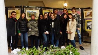 Photo of Varallo: Studenti del Liceo Classico in visita alla Biblioteca