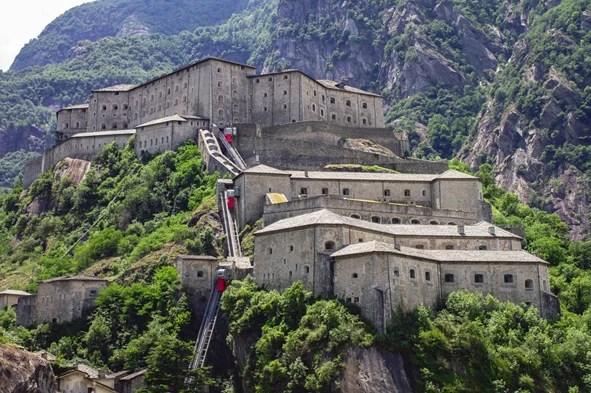 Photo of Forte di Bard riapre la mostra: La Memoria dell'Aosta. Il Sacrario del 4° reggimento Alpini