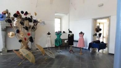 "Photo of Varallo prorogata la mostra ""Vintage: piume e paillettes"""