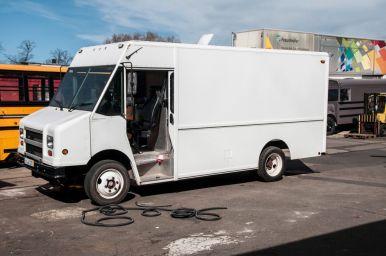 branding-eventmobil-foodtruck-messemobil-roadshow-truck-bau-koeln-8524