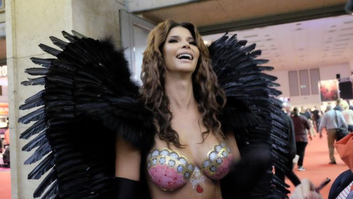 Fick nach Venus messe Berlin privat mit echter pornodarstellerin