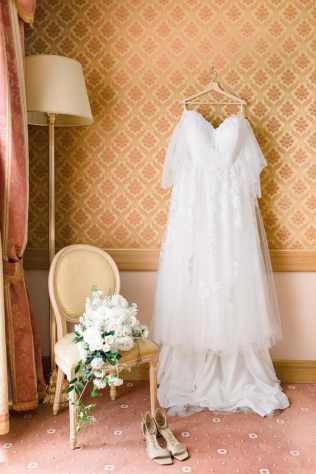 10-Hotel-splendide-bridal-suite-Claire-and-Dennis-wedding-by-Eventoile