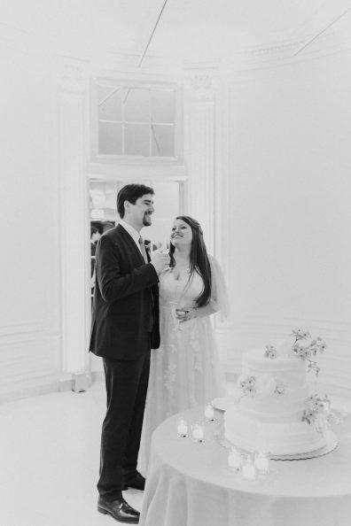71-Villa-Heleneum-sala-bianca-wedding-cake-Claire-and-Dennis-by-Eventoile