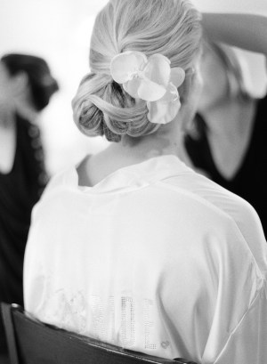 EventsLuxe Midwest Tuscan Winery Wedding hair 2