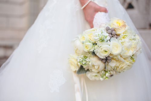 winter white wedding bridal bouquet in st. louis | Events Luxe weddings