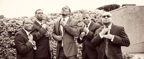 Groom & Groomsmen Park Pictures | Events Luxe Wedding