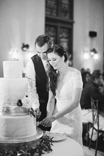 Bride & Groom Cut the Cake at 9th Street Abbey | Events Luxe Weddings