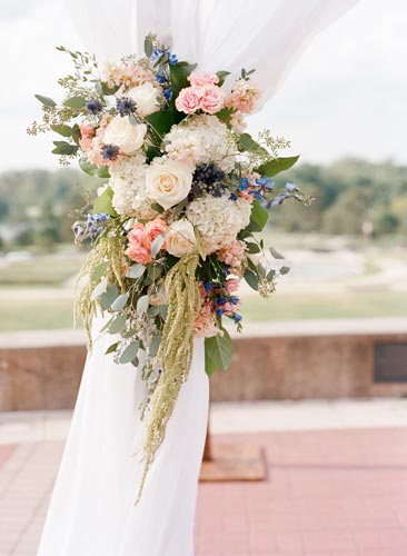 Bouquet at World's Fair Pavilion | Events Luxe Weddings