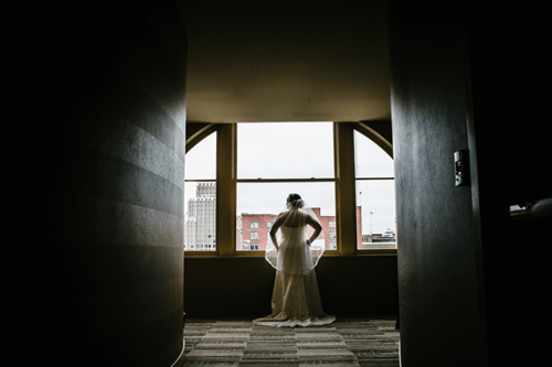 Bride getting ready   Events Luxe Wedding