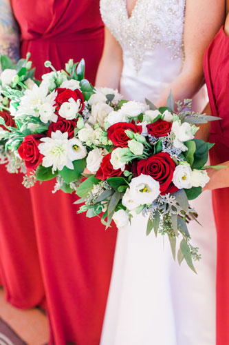 Red wedding bridal bouquet | Events Luxe Wedding