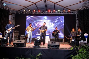 Manish and his band