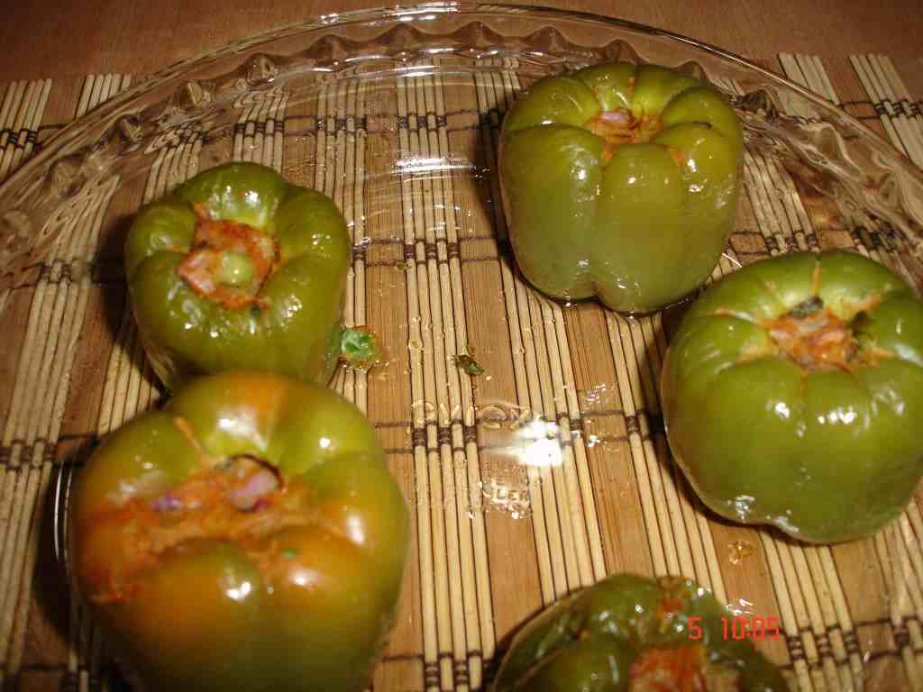 Stuffed Capsicum (microwave cooking)