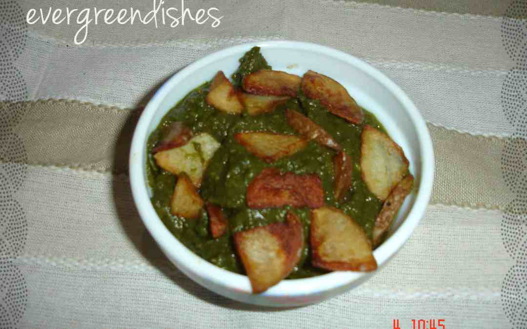 Alu Palak Potatoes in spinach gravy