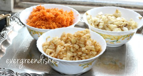 apple,banana and carrot pieces  ABC Halwa for Holi fruit pieces 1024x543