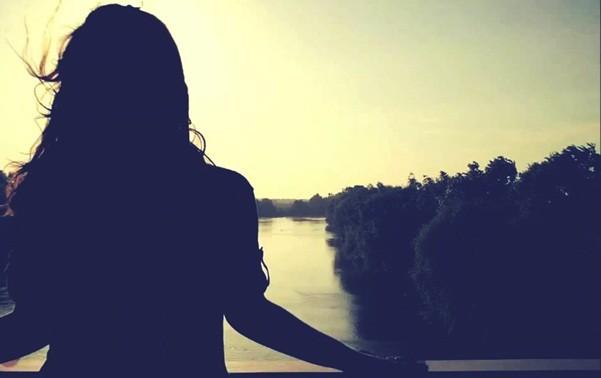 Sưu Tầm Truyện Ngắn Tình Yêu: Chờ nhau nơi thiên đường  Sad-girl-in-night-image