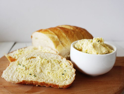 Make homemade butter with Mad Millie - Find more recipes, crafts, and DIYs at EverSoBritty.com
