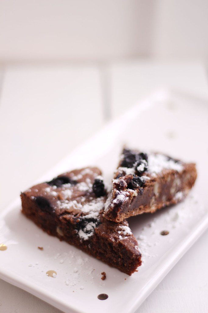 Big fan of brownie? This blueberry and walnut brownie will win any crowd over.