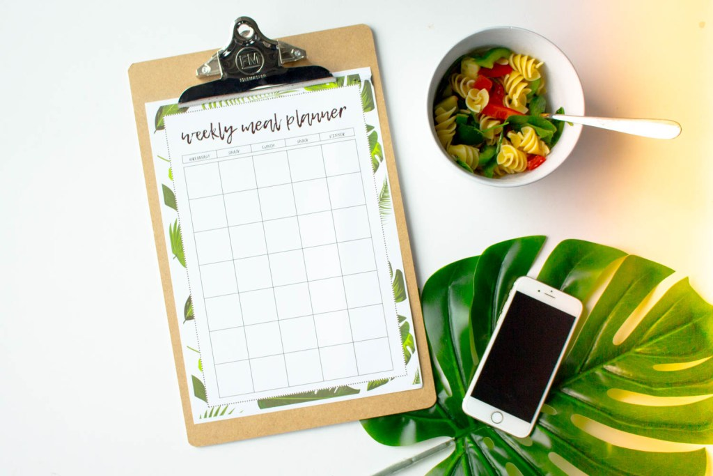 Looking for a printable meal planner that fits 5 small meals? This is the one for you. Download and print within minutes!