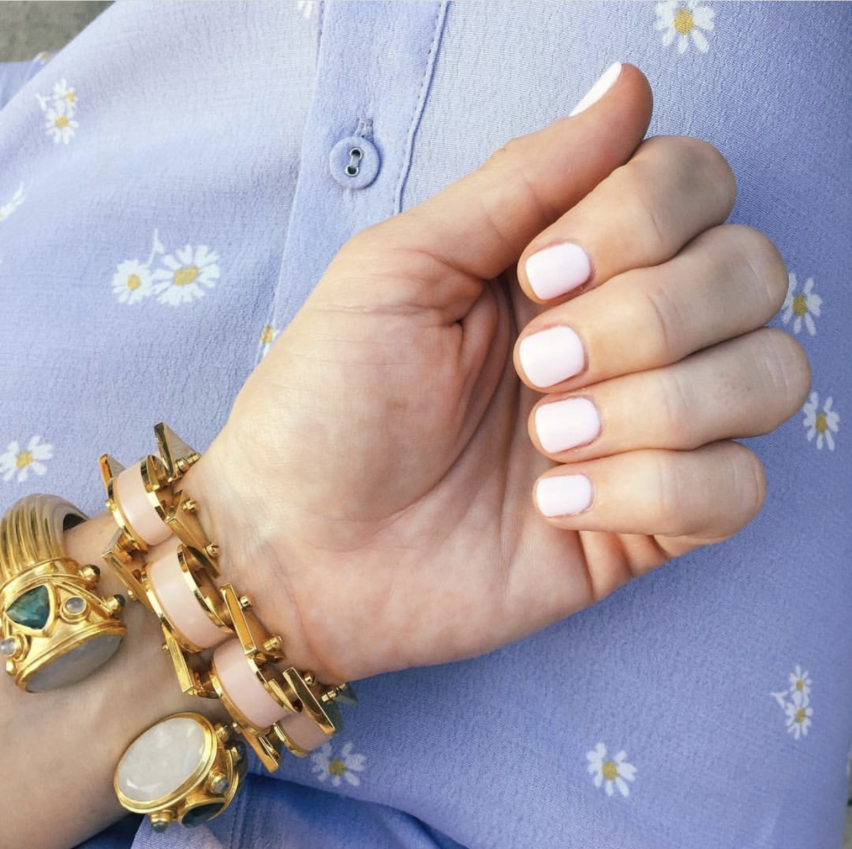 "Essie ""Fiji"", Best Nail Colors for Spring"