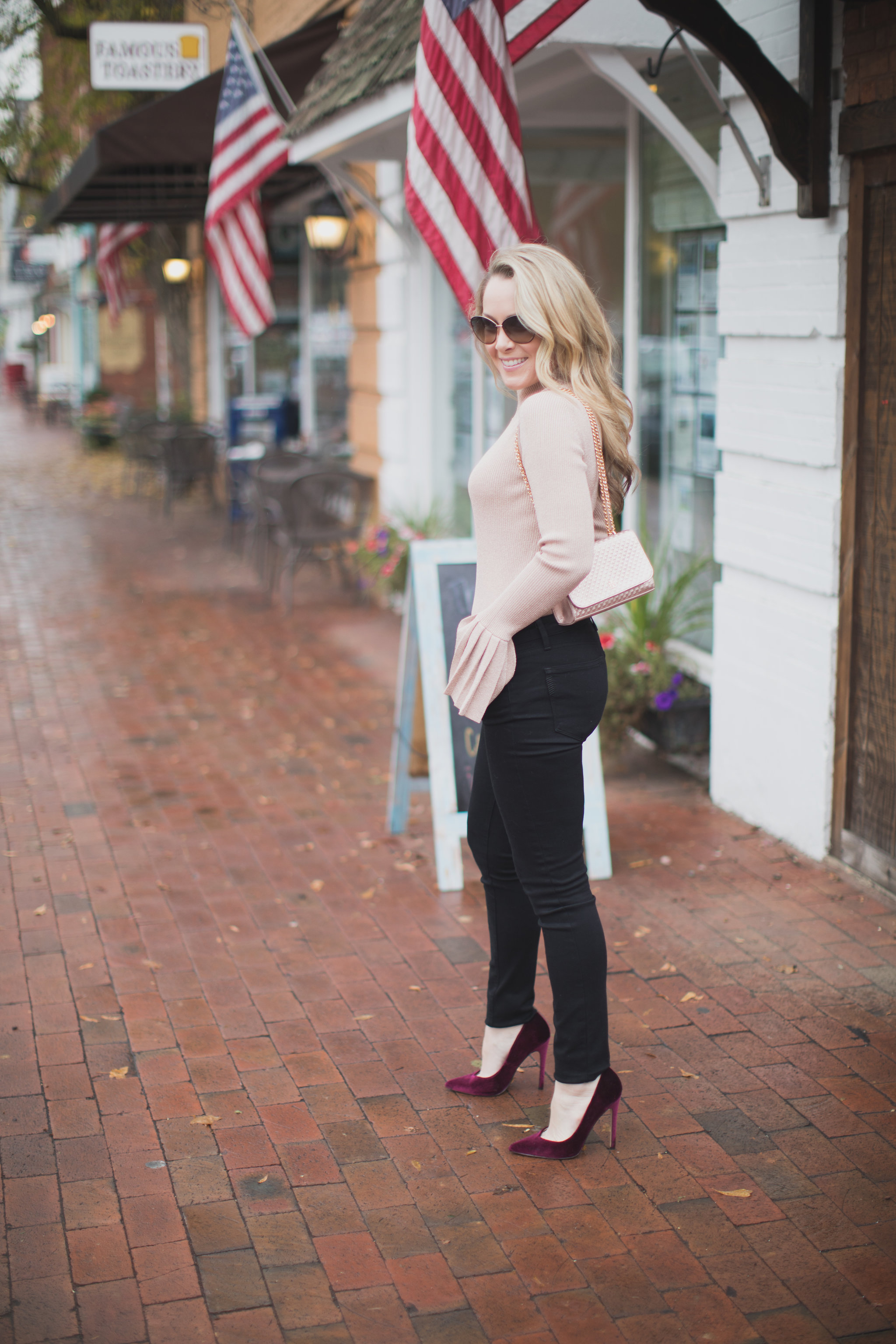 Today I am shopping with one of my go-to online stores, IFCHIC. Stop by to see the perfect holiday sweater as well as my top IFCHIC picks for November. - Shopping with IFCHIC by North Carolina fashion blogger Every Chic Way