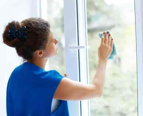Clean windows using Homemade Glass Cleaner and Microfiber
