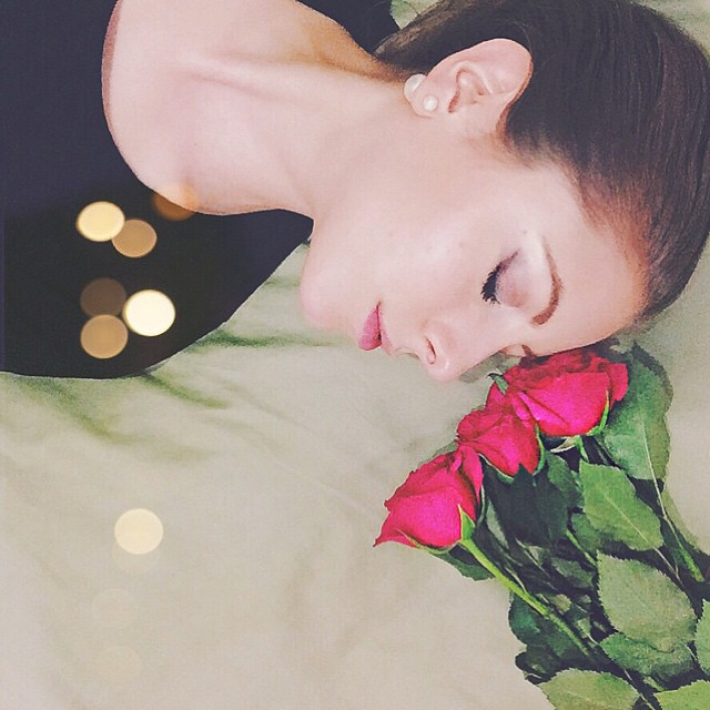 Tell me a story before falling asleep #bedofroses