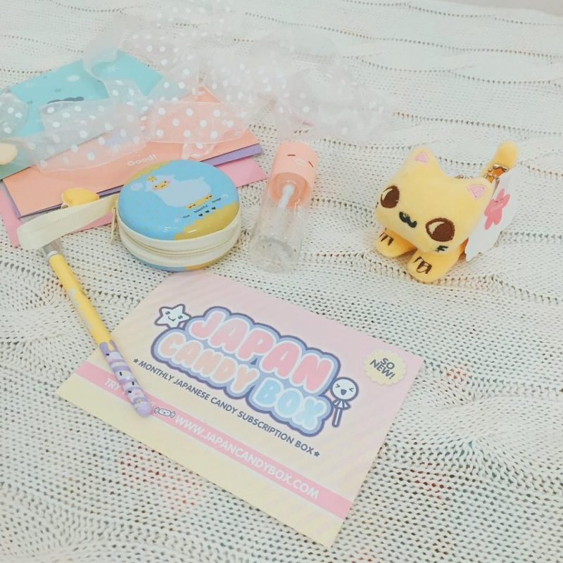 Morning guys! You could win these #kawaii stuff! How? Check my blog post {link in bio} and win a #kawaiibox #kawaiiboxgiveaway #kawaiigiveaway #japangiveaway