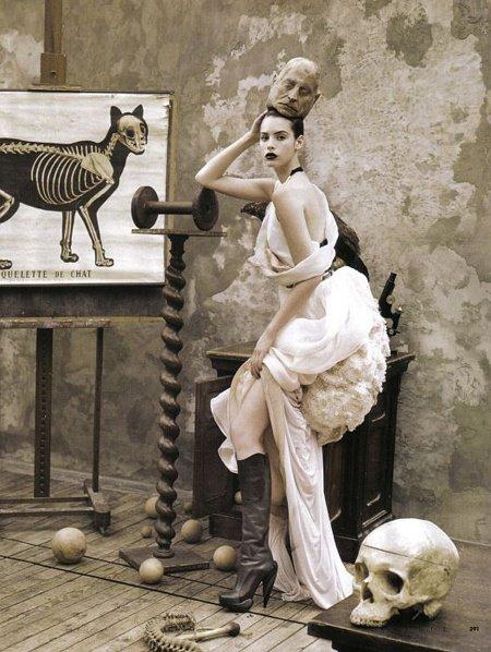Elle-Italia-November-2008
