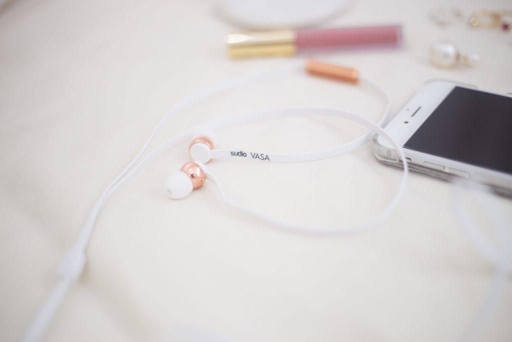 sudio-earphones-4