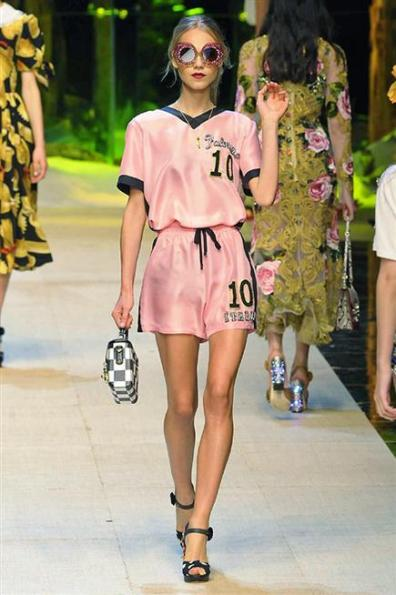 Pantone 2017 Pale Dogwood Dolce e Gabbana