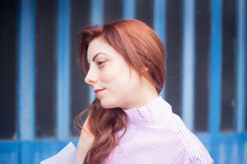 capelli color rame con riflessi rossi