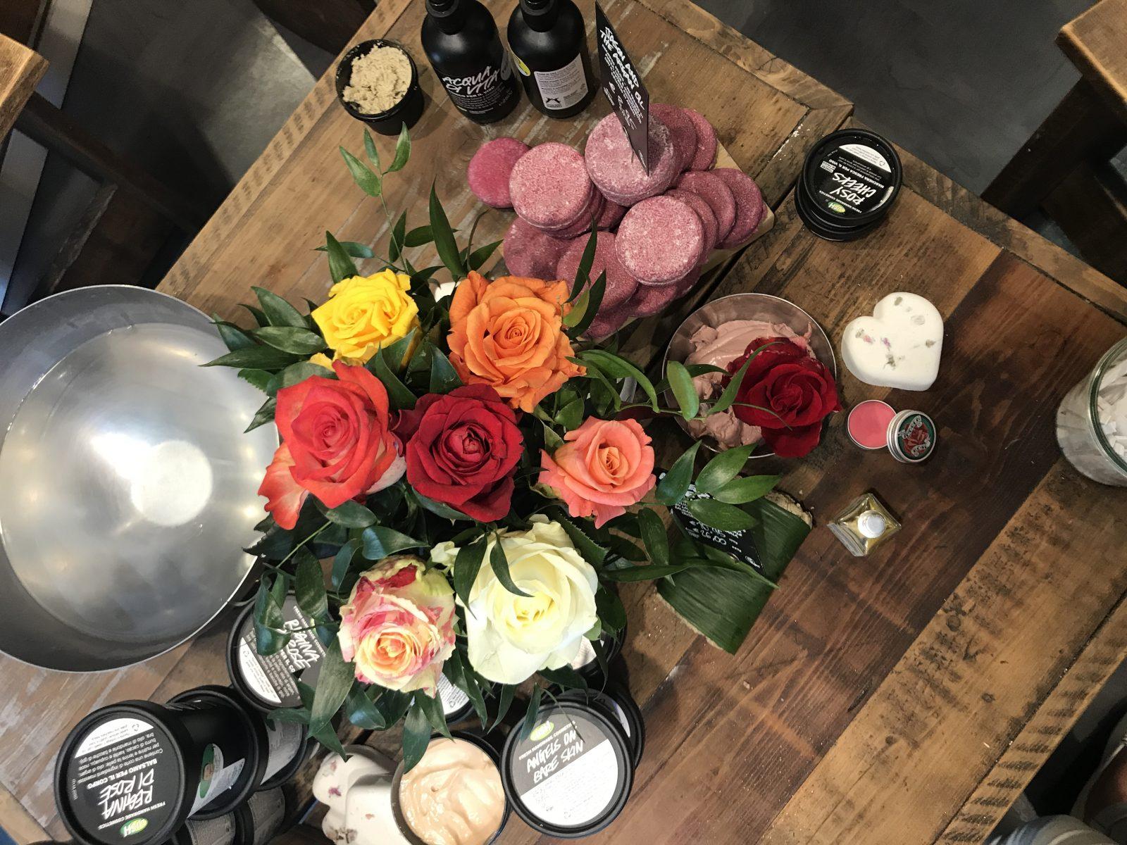 prodotti alla rosa lush