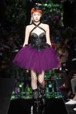 Utra violet fashion Moschino