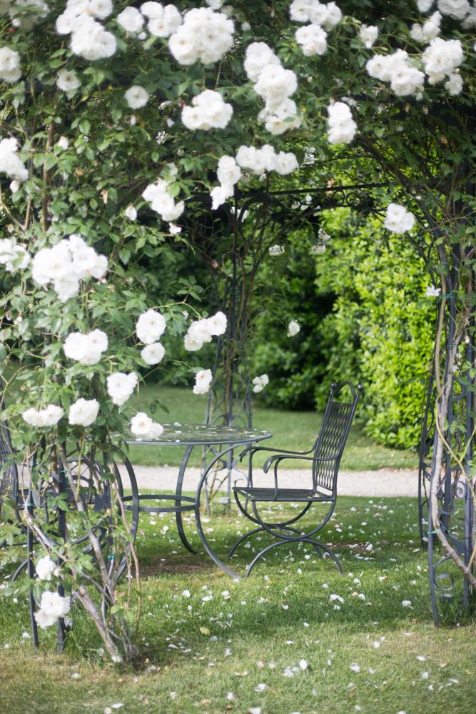 gazebo con rose bianche four season firenze