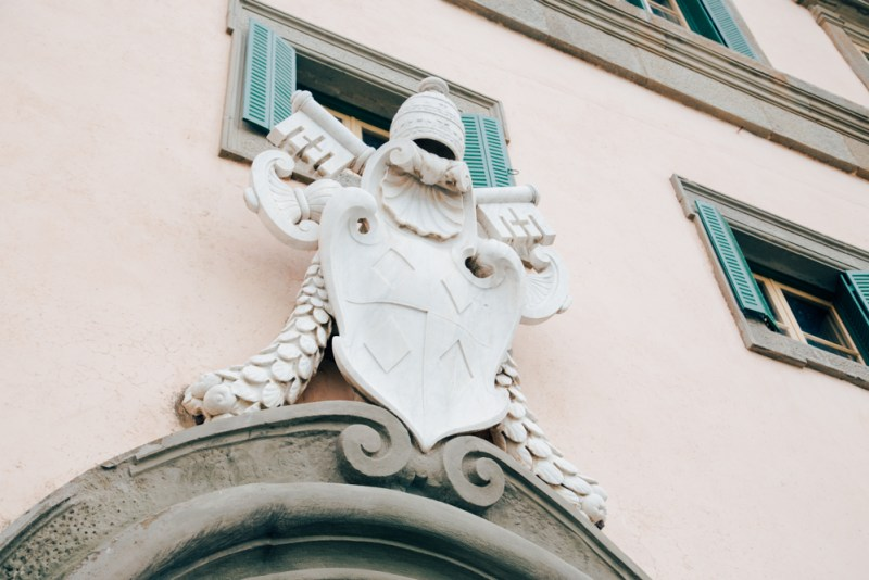 villa rospigliosi stemma famiglia spicchio