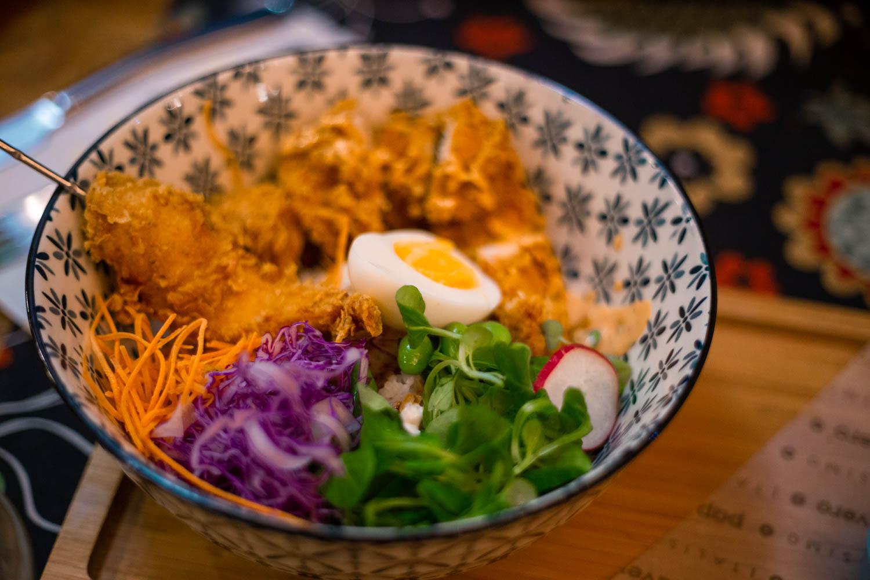 bowl con pollo fritto il papavero street gourmet