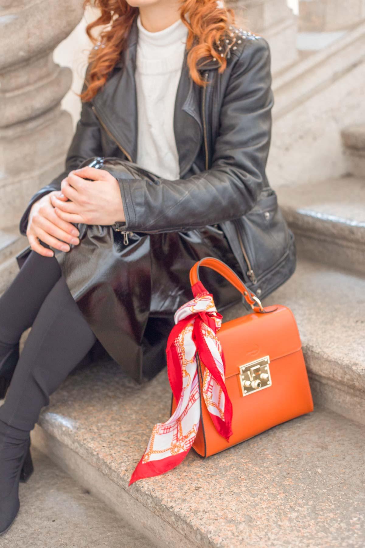 borsa monnaluna arancione