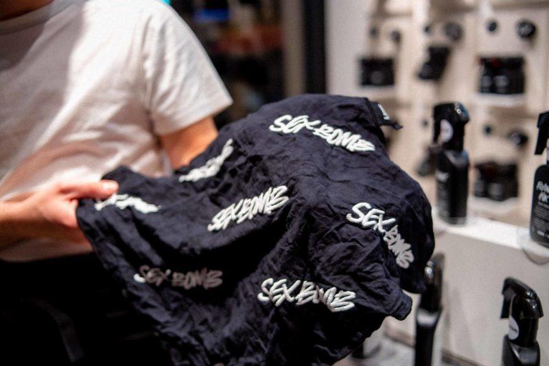 foulard lush con la scritta s3xBomb