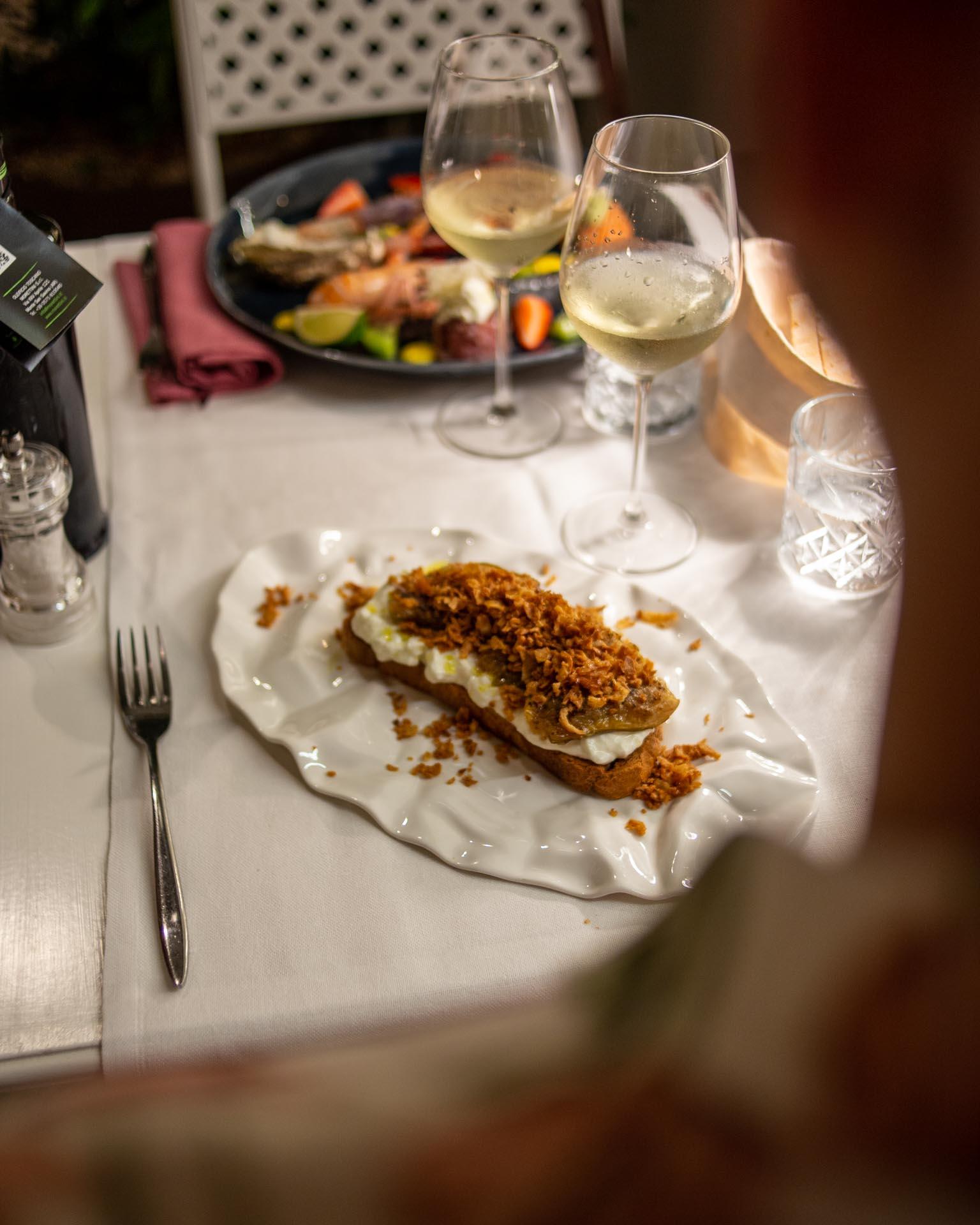 piatto con crostone da rosso veneziano