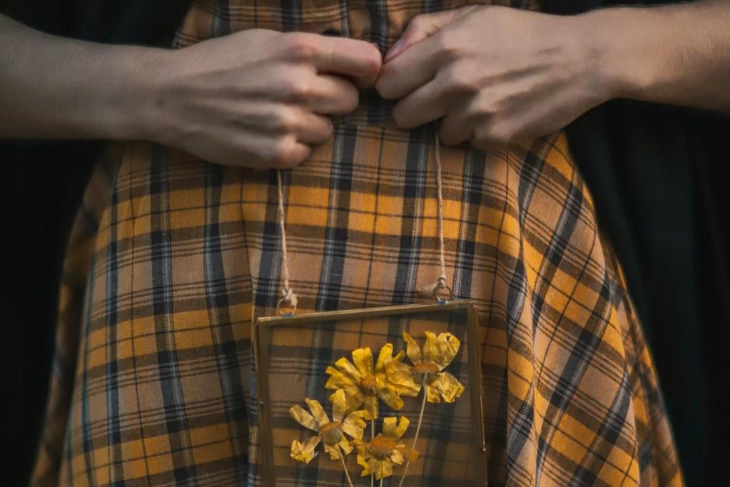 dettaglio tartan giallo