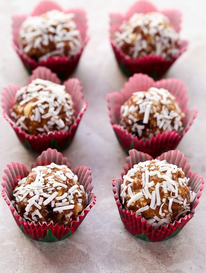 No-Bake Coconut Cranberry Energy Bites