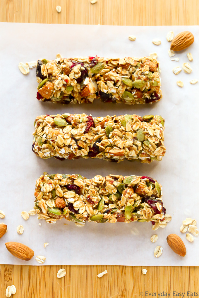 No-bake, 6-ingredient, Healthy Fruit & Nut Granola Bars | Recipe at EverydayEasyEats.com