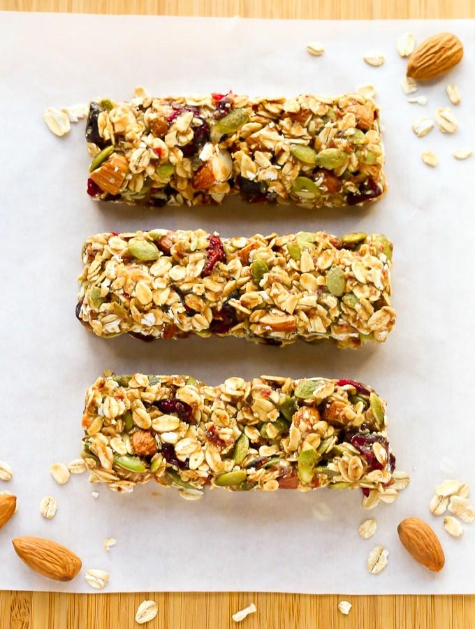 No-bake, Healthy Fruit & Nut Granola Bars Recipe | EverydayEasyEats.com
