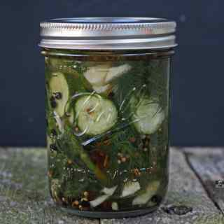 quick & easy homemade Refrigerator pickles