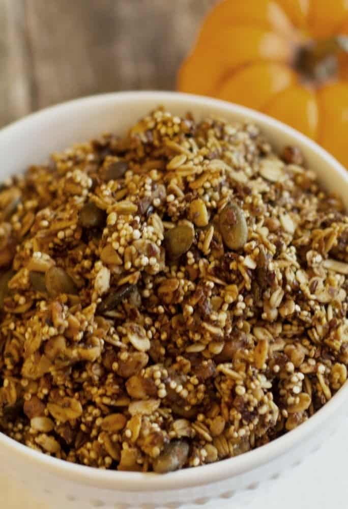 healthy-pumpkin-granola