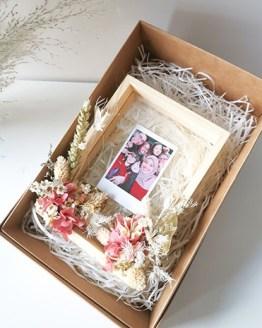 Julia Preserved Flower Frame