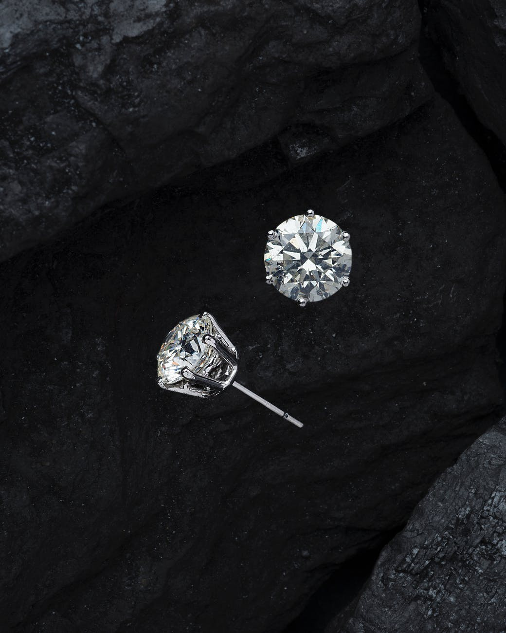 close up photo diamonds stud earrings