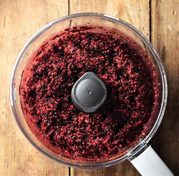 Quinoa beetroot lentil mixture in blender.