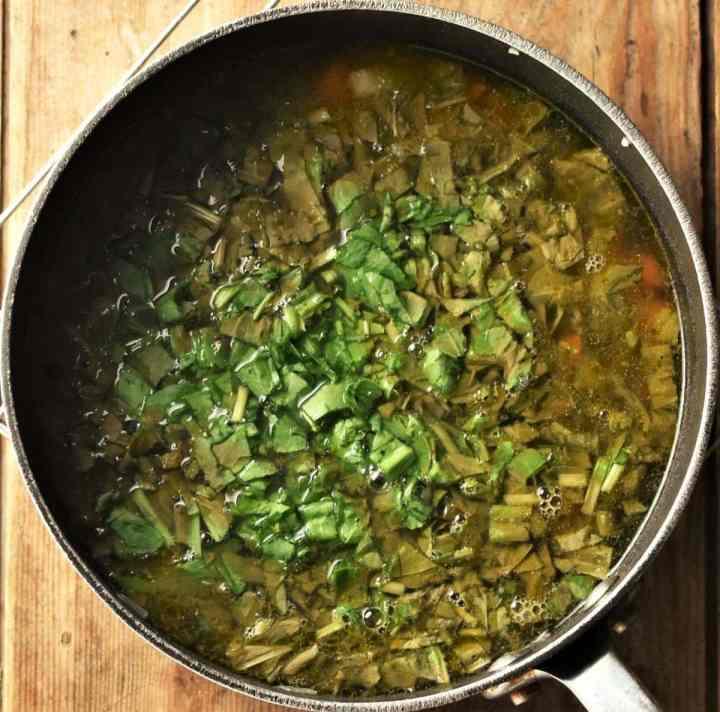 Sorrel soup in large pot.